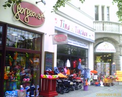 Tryptichon (Mcsimilian) Tags: berlin shops allee schnhauser