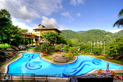 Earl's Regency hotel Kandy (dawey [Mohammad Alhameed]) Tags: city travel red 20d beach water canon lens iso100 asia asien cloudy canon20d sri srilanka ceylon usm  f8 mohammad sandisk 2007 eos20d sirlanka mohanad voluntary  yousef mohamad canon1022mm picturecollection conon vwc    conon20d earlsregencyhotel  srilanka kuwaitvoluntaryworkcenter  photovwc kuwaitvwc