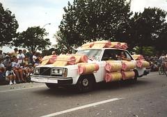curlers car (Jean Arf) Tags: houston artcarparade