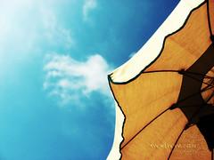 classical summer shot. (*northern star) Tags: blue sea summer sky cloud white beach canon relax sand mare nuvola blu cielo ombrelloni gaeta bianco spiaggia sabbia laperla northernstar lettini donotsteal allrightsreserved summer2007 superhearts platinumheartaward northernstarandthewhiterabbit northernstar usewithoutpermissionisillegal northernstarphotography ifyouwannatakeitforpersonalusesnotcommercialusesjustask