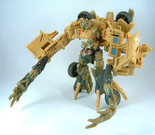 Transformers Bonecrusher - modo robot (Movie Deluxe)