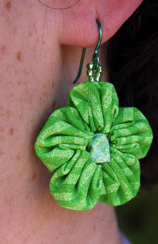 Flower yo-yo earring
