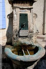 une fontaine à Saint-Cannat (Dominique Lenoir) Tags: france fountain photo foto brunnen fuente provence fotografia fontana fontaine bron fotografía southfrance bouchesdurhône stcannat tourismeenprovence saintcannat dominiquelenoir