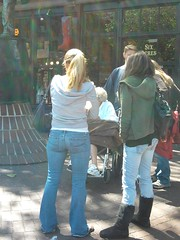 Foto0118 (Floortje_CD) Tags: street girls girl shot candid ugg uggs streetshot