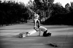 yunus tailslide yannick filming (Hell-mann) Tags: canon 50mm 1 bs 14 4 fp ilford ae hattingen yunus skaten filmen tailslide