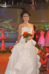DSC_0294 (Medium) (bluecebu88) Tags: show wedding slr fashion d50 nikon sm cebu bluecebu88