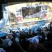 10.06.22 Vecinos disfrutan del partido Argentina - Grecia en Parque del Centenario