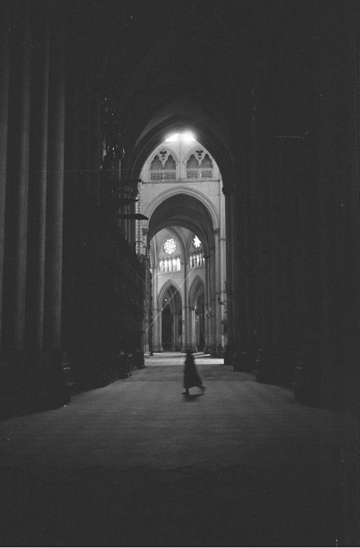 Interior de la Catedral de Toledo en septiembre de 1962. Fotografía de Harry Weber. Österreichische Nationalbibliothek