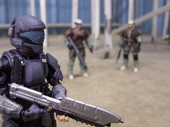Warfare in the Workplace (cujo419) Tags: toy actionfigure halo buck mcfarlanetoys unsc odst edwardbuck