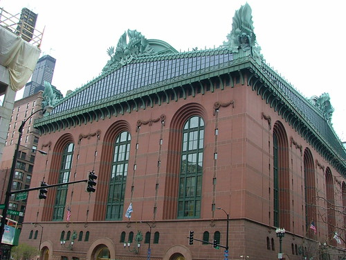 Harold Washington Library, Chicago, photo by Alan Cordova
