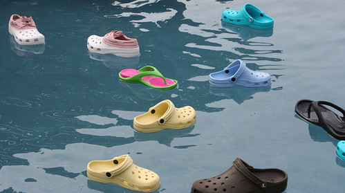 Floating Crocs by dchidest (flickr)