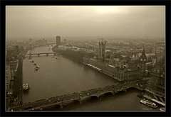 london from the eye (milleluce.com) Tags: city uk bw white black london blanco thames sepia river view negro parliament bn blanc soe bestofflickr lifeshot musictomyeyes noire giang themoulinrouge blueribbonwinner greatphotographers exemplary 10faves flickrsbest impressedbeauty aplusphoto superbmasterpiece goldenphotographer diamondclassphotographer flickrdiamond megashot amazingamateur heartsawards ultimategold artistsoftheyear thegoldenmermaid superamazingshots proudshopper theperfectphotographer sunshineluckystar giangle astoundingimages bnwart goldstaraward giangleorg