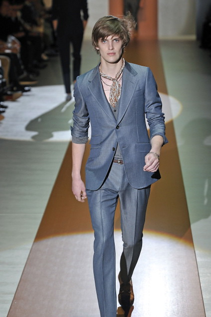 Axel Gillot3014_SS11_Milan_Gucci(first VIEW)