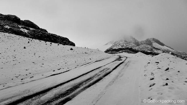 A smaller volcano crater on the road to Nevado del Ruiz (4,300m / 14,100 feet).