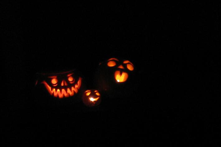 102710_halloweenPumpkins