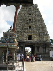 Rajagopuram and Dwajasthambam not in line