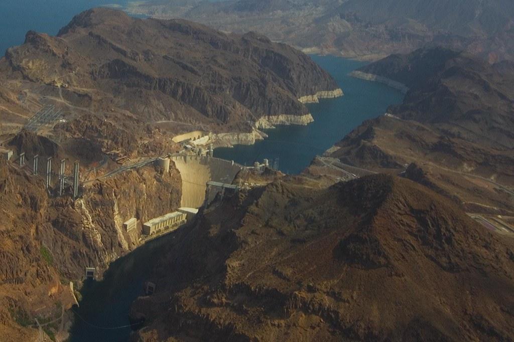 hoover dam ©2007 RosebudPenfold