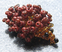 Erizo. (naiarais) Tags: animal handmade erizo artesania manualidades abalorios hechoamano bolitas puercoespin hechopornaiara animalesdebolitas