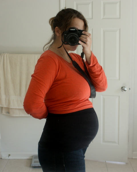 25 week belly photo