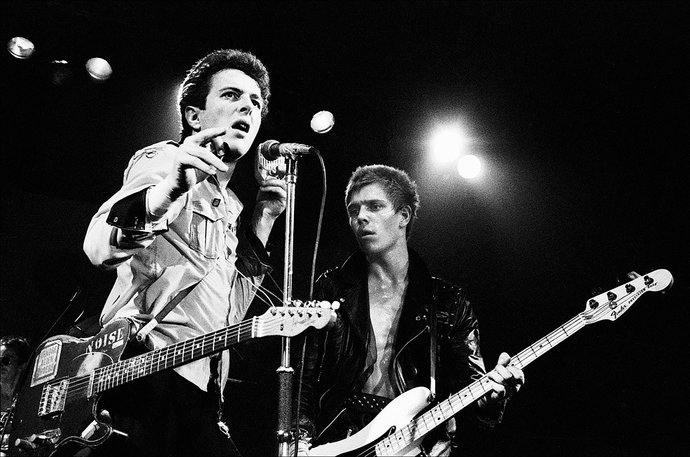 Sonic Editions - The Uncut Collection: Joe Strummer and Paul Simonon of the Clash