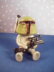 Boba Fett Robot 2 (Sleepy Robot 13) Tags: starwars gun bobafett polymerclayurbanvinylsleepyrobot13etsysilvercraftcraftscraftingsculptingsculpturefigurinearthandmadecraftshowcutekawaiirobots