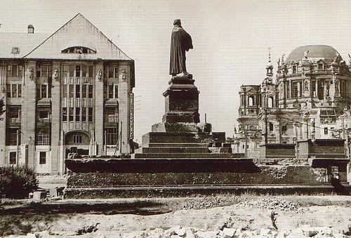 1951 52 Neuer Markt