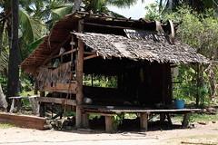 100_5739 (Bryan Hsieh) Tags: travel people lake building cambodia siemreap angkor  2007 tonlesap     eos5d