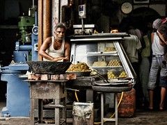 ..and thats how you make samosas! (...Ashish...) Tags: india delhi roadside samosas sweetshop olddelhi mithai incredibleindia ncrediblendia
