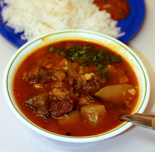 Beef Stew with Chayote Squash with tomates, red/green onions and shallot