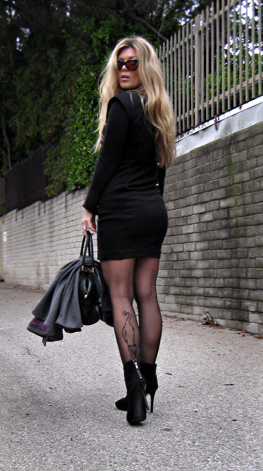 little black dress with turtleneck under+cat eye sunglasses+cat tights+stockings with cat+original