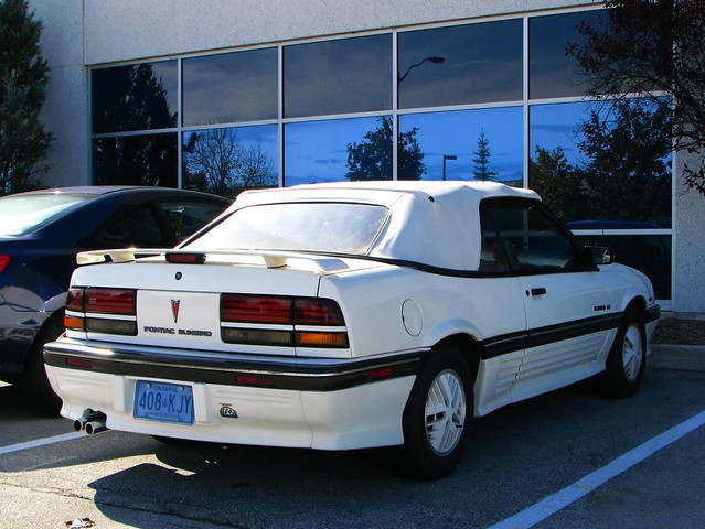 white toronto ontario canada chevrolet car convertible 1993 chevy 94 cavalier 1991 1992 pontiac 1989 1994 mississauga 93 90 92 1990 91 89 sunbird worldcars