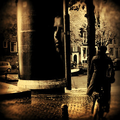 autunno olandese (monyart) Tags: street autumn light shadow woman man water beautiful rain amsterdam bike contrast dark canal eyes psycho girlpower monyart