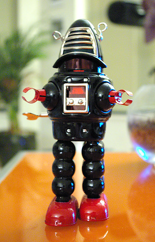 Robby the Robot modern wind-up toy