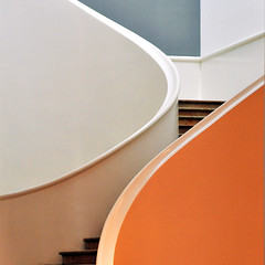 minimalist curves (fifich@t / Franise / off) Tags: france architecture stairs nikon curves nancy udo minimalism sincity paragon escaliers graphisme musees best squarepicture formatcarr copyrightallrightsreserved nikond300 winner500 creattivit winner500x500bestof bestcapturesaoi shining elitegalleryaoi virgiliocompany musebeauxartsnancy featuredfrontpagewinners asquaresuperstarstemple lightroomps fifichat1 frs squarefotografiasparaenmarcar1006 fificht frs