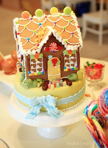 Cake Gingerbread House