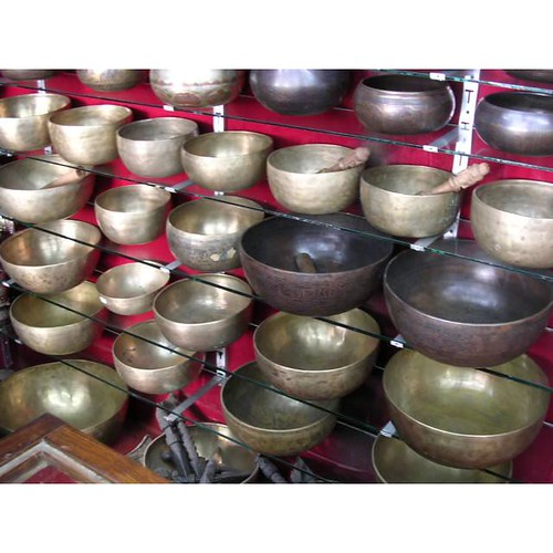 wholealer of Handmade singing bowl & various Carving goods Manufacture