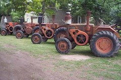 Pampa_tractor_here_in_Argentina