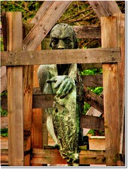 Deprived (♡ Popotito ♡) Tags: park wood parque brown man green abandoned argentina statue metal forest garden out liberty sadness tristeza madera buenosaires hand reaching bosque frame mano deprived parado upright estatua soe hombre reachingout humiliation bosquesdepalermo abandonada encuadre capitalfederal supershot humillacion mywinners negado anawesomeshot thinkthisisart extraordinarycompositions popotito