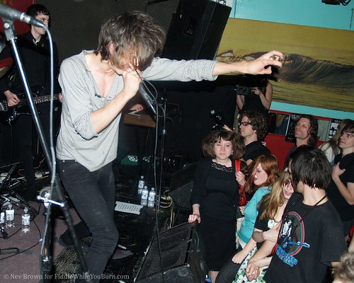 06.06 the Horrors @ Pianos (23)