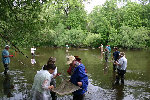 volunteers learn to monitor water quality