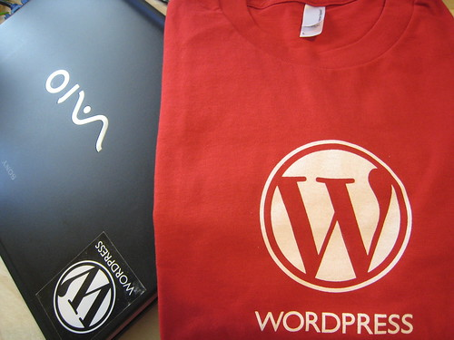Wordpress tshirt / sticker