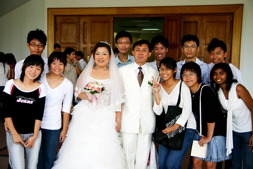 Batch of '01 with newlyweds