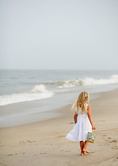 She finds seashells by the seashore (This crazy life * Tammy) Tags: ocean vacation girl seashells waves obx capehatteras abigfave abigfav weektwentyeightwater