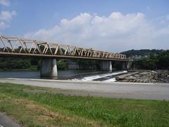 利根川を渡る (2)