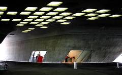 Phaeno4 (newtonxl) Tags: light shadow architecture licht architektur schatten wolfsburg zaha hadid phaeno
