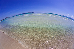 Can Picafort (Juan Antonio Cap) Tags: blue sky water azul mar sand agua eau wasser waves pattern background horizon sable himmel surface fisheye arena bleu textures ciel cielo falcon su blau 8mm vagues mallorca olas   mavi fondo texturas kum mediterrneo mediterraneansea horizonte ohhh  majorca baleares  akdeniz wellen superficie  ojodepez balears canpicafort illesbalears  mittelmeer   patrn  islasbaleares mermditerrane samyang      dalgalar  canoneos5dmarkii    falcon8mm