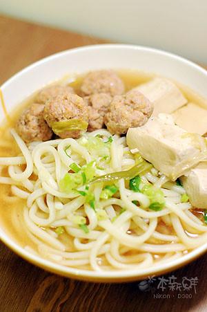 豆腐豬肉丸子味噌烏龍麵
