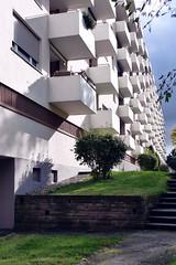 (freeezy) Tags: urban digital stuttgart wiese hlm beton rasen hochhaus endlos wohnblock