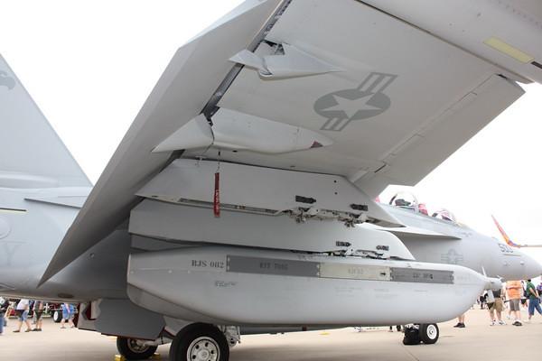 EAA10_EA-18G_42