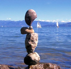 balance (Heiko Brinkmann) Tags: sculpture water 1025fav 510fav germany ilovenature deutschland stones balance bodensee balancing rockbalancing lakeconstance badenwuerttemberg rockbalance langenargen pebblebalancing 123favs hickoree